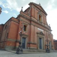 Chiesa cattedrale di San Cassiano (facciata di lato) foto di Maurolattuga