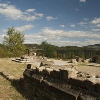 Altare e ruderi chiesa