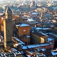 BO - Basilica Cattedrale di San Pietro con Torre Altabella viste dalla Torre Asinelli photo by EvelinaRibarova