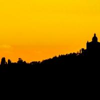 La sagoma di San Luca al tramonto foto di Angelo nacchio