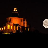 San Luca e la Big Luna photos de Paolo Patella