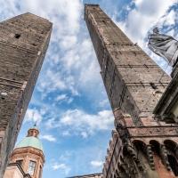 Due Torri di Bologna Asinelli e Garisenda - Vanni Lazzari