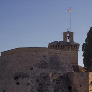 Rocca di Meldola - Particolare maschio e cortile cipressi foto di: |Alessandro Ramberti| - Wiki Loves Monuments 2017