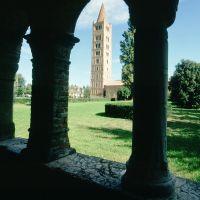 Abbazia di Pomposa. Il campanile visto dal Palazzo della Ragione by Samaritani