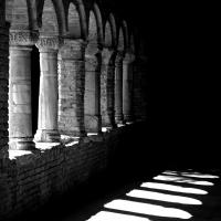 Tanta storia nelle colonne by PAOLO BENETTI