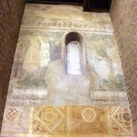 Scuola riminese, affreschi geometrici con bustini di santi, 1350-1400 ca. , affioramenti dell'XI secolo 02 photo by Sailko