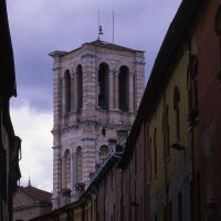 via Mazzini con campanile della cattedrale by zappaterra