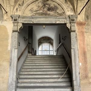 Portale accesso alla clausura - chiostro del Capitolo by Martina Anelli