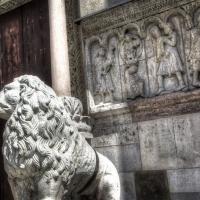 Modena Cathedral Facade Detail photos de Simon Falvo