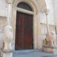 Duomo di Modena (entrata) photos de Cristina Guaetta