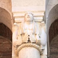 Duomo di Modena capitello facciata 2 photos de Mongolo1984