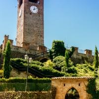Panoramica sulle mura del borgo storico di Castelvetro di Modena