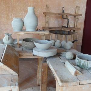 Castello di Spezzano - Museo della ceramica_tornio del vasaio foto di: |Archivio Comune Fiorano Modenese| - Comune Fiorano Modenese