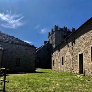 Rocca di Sestola - Corte superiore foto di: |Anna Pattarozzi| - Archivio fotografico del castello