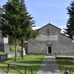 Visita guidata all'interno dell'Abbazia, ai reperti e alle reliquie esposti ed in essa conservati.