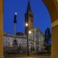 Piazza Duomo 10 by Mario Carminati