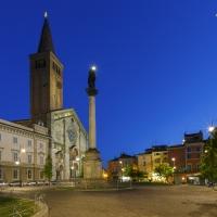 Piazza Duomo 14 by Mario Carminati