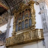 Concerto nel coro ligneo del presbiterio