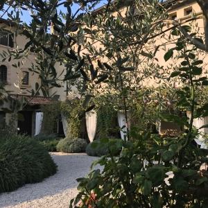 Castello di Gropparello - La Taverna Medievale, nel Parco del Castello di Gropparello foto di: |Maria Rita Trecci| - Archivio fotografico del castello