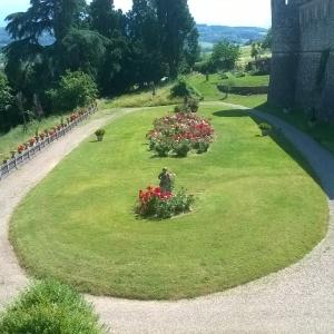 Castello e Rocca di Agazzano - Giardino foto di: |Corrado Gonzaga| - Castello di Agazzano