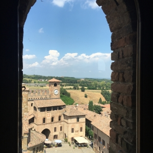 Rocca Viscontea - Dalla finestra foto di: |Monica Curotti| - Monica Curotti