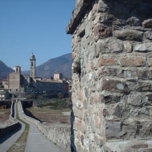 Basilica di San Colombano in lontananza foto di Angelica Zarafa