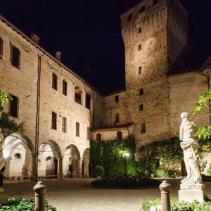 Castello di Montechiarugolo - Il cortile interno foto di: |Luca Trascinelli| - Luca Trascinelli
