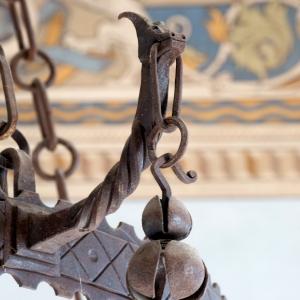 Castello di Varano de' Melegari - Lampadario foto di: |Scardova| - Scardova