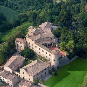 Castello di Scipione dei Marchesi Pallavicino - Panoramica Castello di Scipione foto di: |Foto Bocelli - Castello di Scipione| - Castello di Scipione