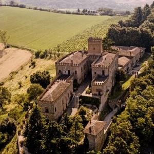 Castello di Tabiano - Vista aerea del Castello di Tabiano foto di: |Castello di Tabiano| - Castello di Tabiano