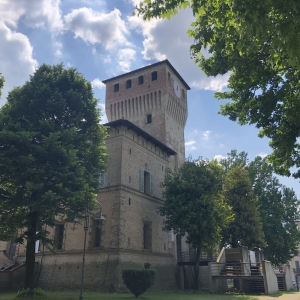 Rocca dei Terzi - Nuvole e sole sulla Rocca foto di: |Sara Tonini| - Sara Tonini