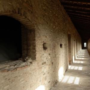 Castello di Varano De' Melegari - CAMMINAMENTI foto di: |SCARDOVA| - SCARDOVA
