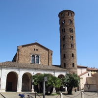 Ravenna, sant'apollinare nuovo, ext. 01 by |Sailko|