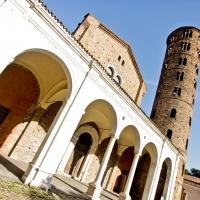 Basilica di Sant'Apollinare Nuovo prospettiva by mario casadio