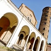 Basilica di Sant'Apollinare Nuovo propettiva foto di Mario Casadio