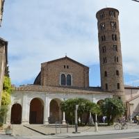 Basilica di Sant'Apollinare Nuovo, Ravenna by Dinkush
