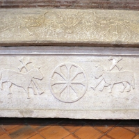 Sant'apollinare in classe, interno, sarcofagi ravennati 05, VI-VII secolo ca by Sailko