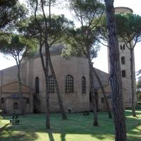 Basilica di Sant'Apollinare in Classe-Retro esterno by Clawsb