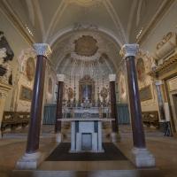 Basilica di Sant'Apollinare Nuovo altare by Wwikiwalter