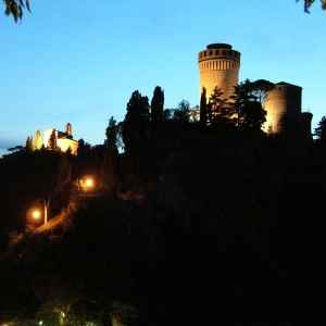 Rocca dei Veneziani - Rocca al tramonto foto di: |Silvano Cantoni| - Archivio Comune di Brisighella