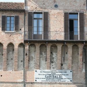 Rocca Estense - Rocca Estense, il balcone da cui parlò Giuseppe Garibaldi nel 1859 foto di: |Gianni Bartolotti| - Archivio fotografico comunale