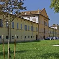 Palazzo Greppi nella frazione di Santa Vittoria