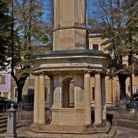 Antico (1776) pozzo pubblico di Piazza Nuova. Qui si fermò Napoleone ad abbeverare le proprie truppe durante la campagna d'Italia