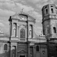 Basilica di San Prospero nel velato cielo Reggiano