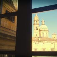 Vista finestra, scorcio di Piazza Roversi