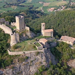 Castello di Carpineti - complesso del castello di carpineti foto di: |sandro beretti| - sandro beretti