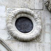 Tempio malatestiano, ri, facciata, ghirlanda-oculo by Sailko