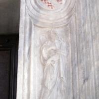 Sagrestia della cappella delle Virtù, portale 08 foto di Sailko