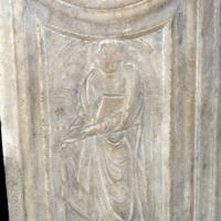 Sagrestia della cappella delle Virtù, portale 10 by Sailko