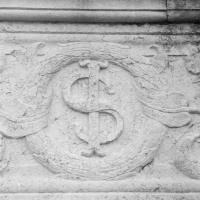 Particolare facciata simbolo Sigismondo - Tempio Malatestiano by Opi1010